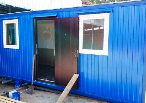 Блок-контейнер офисный с тамбуром 6,0х2,4х2,6м b0